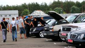 Jak działają handlarze samochodów?