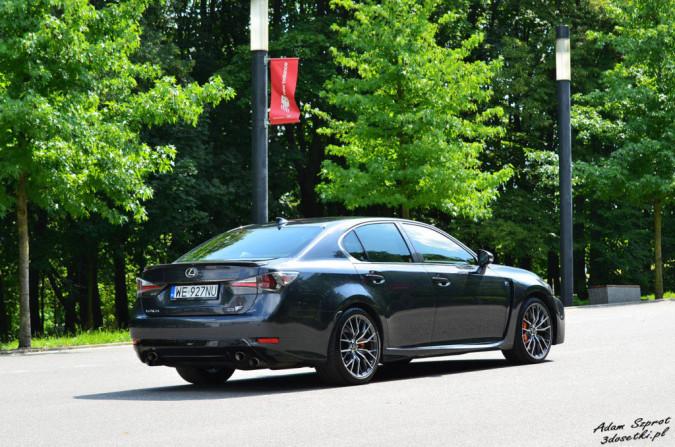 Test samochodu Lexusa GS F na blogu motoryzacyjnym
