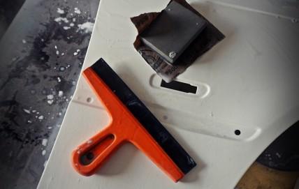 Docieranie podkładu akrylowego pod lakier