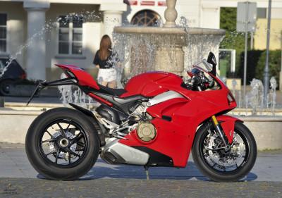 Ducati Panigale V4rw (2)