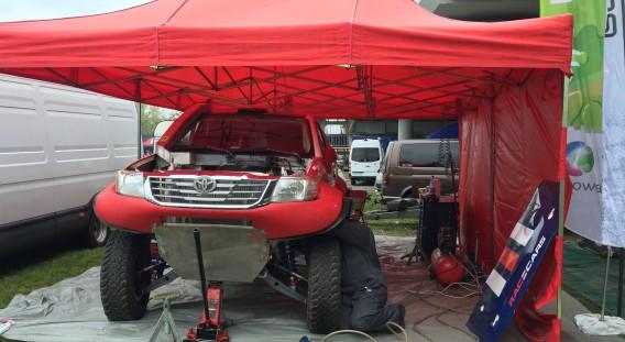 Samochód typu Proto - zbudowany w Polsce w 2016r w ProxCars - Adam Szelerski. Bazuje na ramoklatce przestrzennej, nadwoziu Hiluxa ( w tym laminatowych elementach tzw. Dakarowego Hiluxa) oraz podzespołach mechanicznych Toyoty Tacomy oraz Land Cruisera.